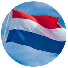 Nederlandse vlag wapperend in de wind
